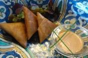 Brics Poulet/pruneaux sauce cacahuètes